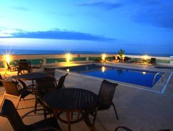 Macae hotels with sea view