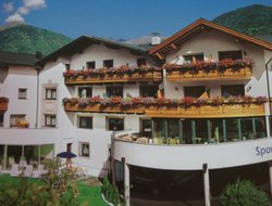 Top-5 hotels in the center of Burgeis