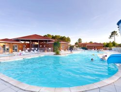 Lacanau-Ocean hotels with swimming pool