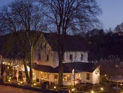 Wenholthausen hotels with restaurants