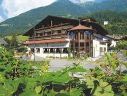 San Martino in Badia hotels with restaurants