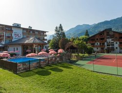 Top-4 hotels in the center of Samoens
