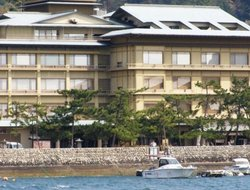 Itsukushima hotels with sea view