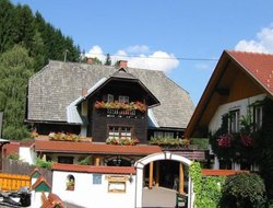 Pets-friendly hotels in Feld