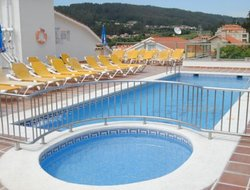 Raxo hotels with swimming pool