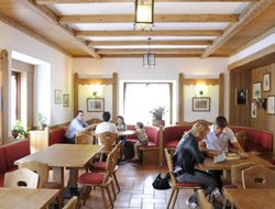 Pets-friendly hotels in Magre