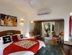 Candolim hotels for families with children