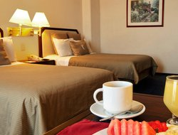 Naucalpan hotels with restaurants