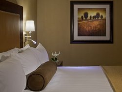 Richardson hotels with restaurants