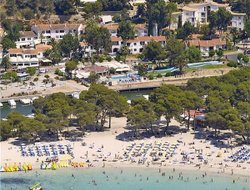 Cala Galdana hotels with restaurants