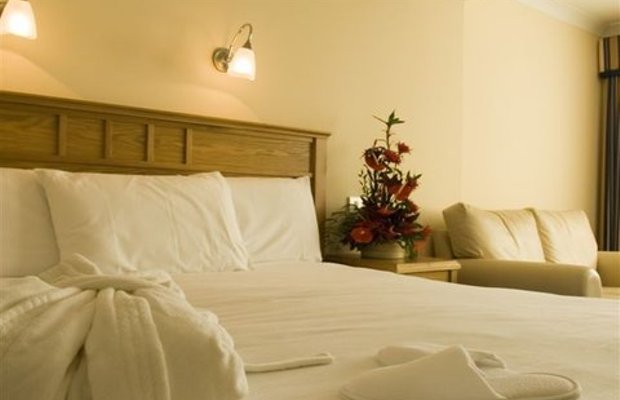 фото Rochestown Lodge Hotel & Replenish Day Spa 488443096