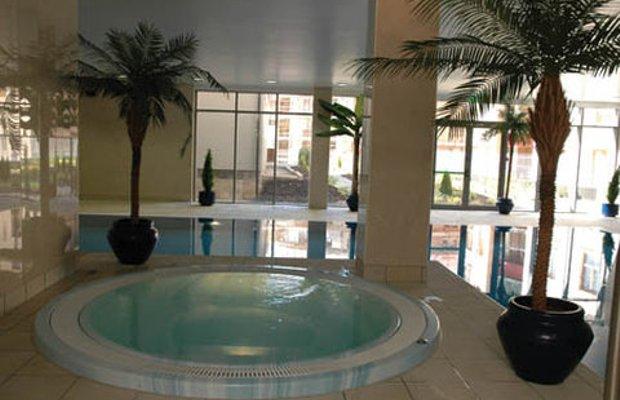 фото Rochestown Lodge Hotel & Replenish Day Spa 488443099