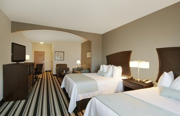 фото Best Western Plus Sand Bass Inn and Suites 488649987