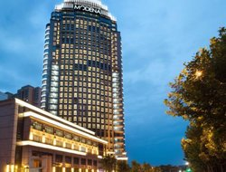 Wuhan hotels with restaurants