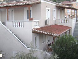 Spetses hotels with sea view