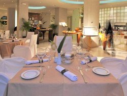 Kavala hotels with restaurants