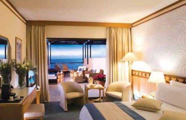 фото Constantinou Bros Athena Beach Hotel 52029541