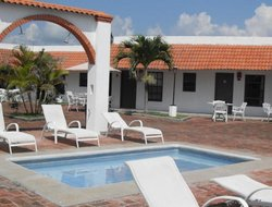 Monte Gordo hotels with swimming pool