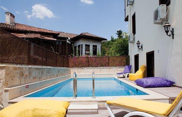 фото Deja Vu Hotel 542810798