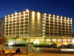 Praia da Rocha hotels with restaurants