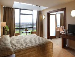 Tallaght hotels with restaurants