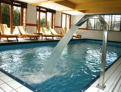 L'Alpe d'Huez hotels with swimming pool