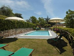 Monsagrati hotels with swimming pool