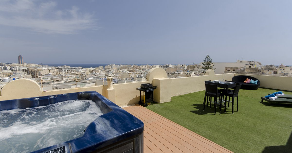 Astounding views 2-bed pth with large terrace