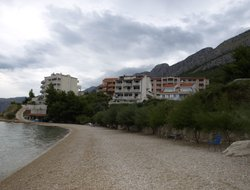 Omis hotels with Russian personnel