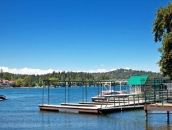 Lake Arrowhead hotels with swimming pool
