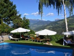 San Maurizio hotels with swimming pool