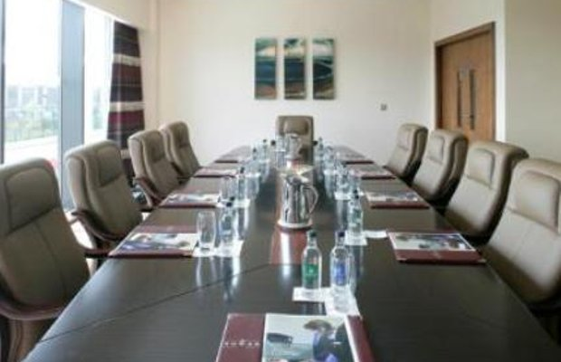 фото Maldron Hotel Tallaght 5558642