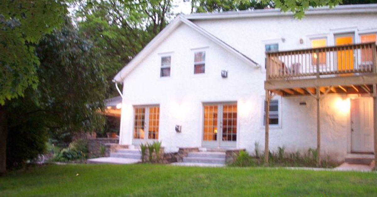 Former B&B in Hudson Valley