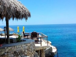 Top-10 hotels in the center of Negril