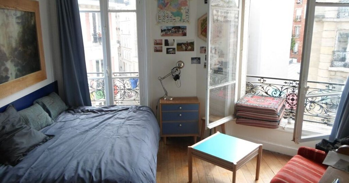 Spacious Room in Montmartre