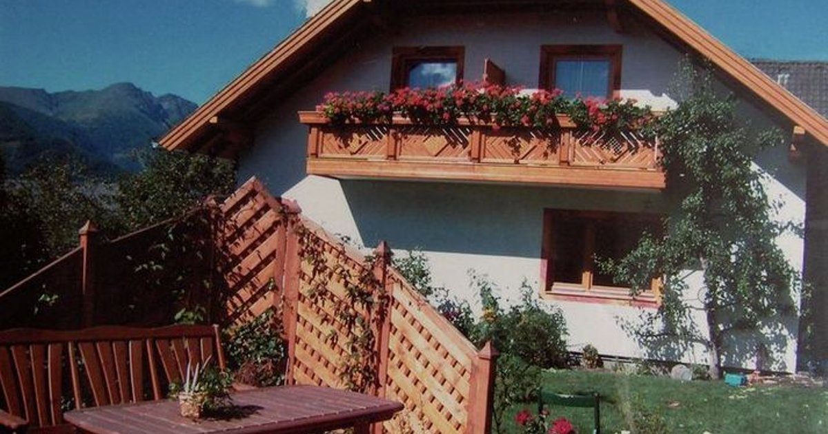 Spacious 4 Bedroom Apartment in Sankt Michael im Lungau