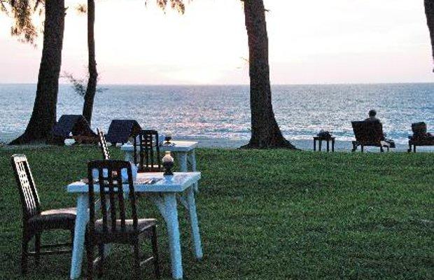 фото Royal Bangsak Beach Resort 5830385