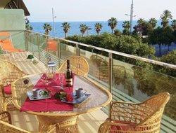Sant Adria de Besos hotels with sea view