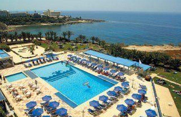 фото Queens Bay Hotel 587286997