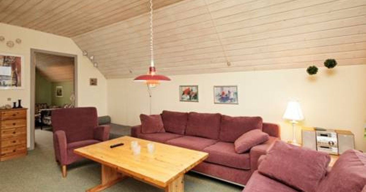 Rømø Four-Bedroom Apartment 13