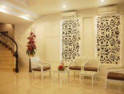 Medan hotels with restaurants