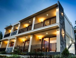 Senggigi hotels with swimming pool