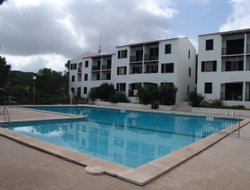 Arenal d'en Castell hotels with swimming pool