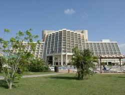 Cuba hotels with restaurants