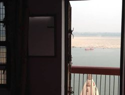 Varanasi hotels with lake view