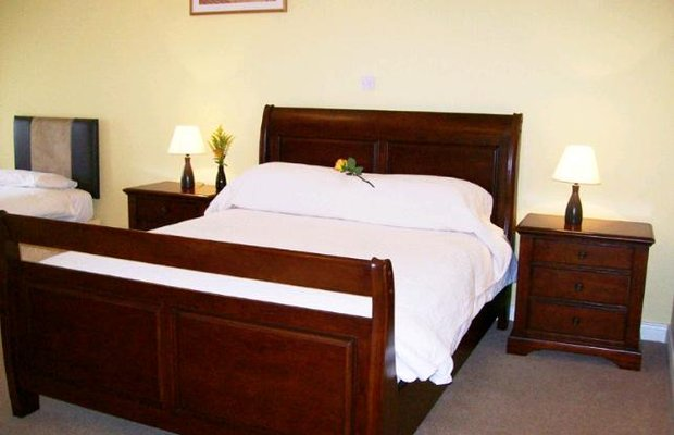 фото Shines Guesthouse 602947930
