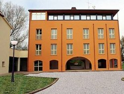 Castel Maggiore hotels with restaurants