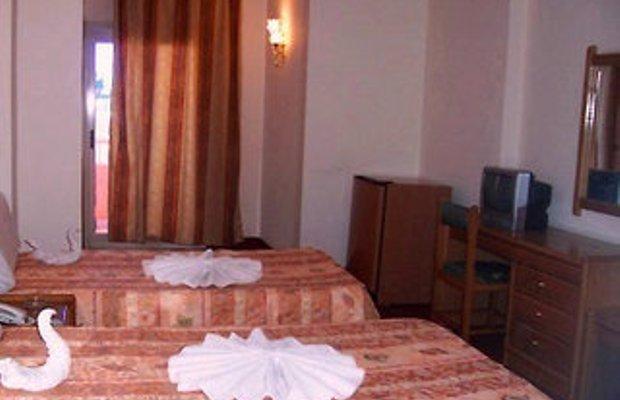 фото Queens Valley Hotel 602970834