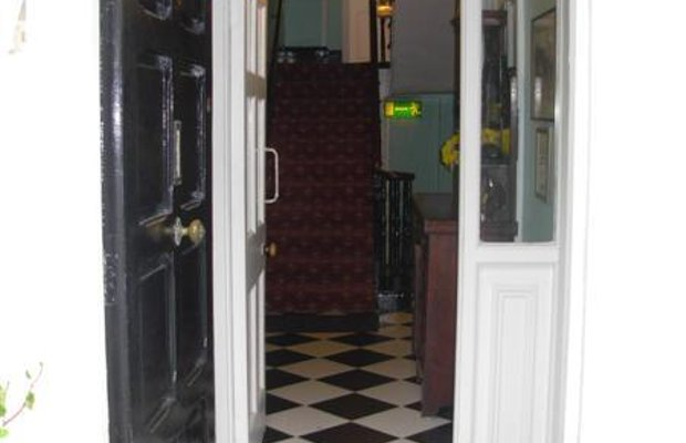 фото McElroy Budget Accommodation 603181543