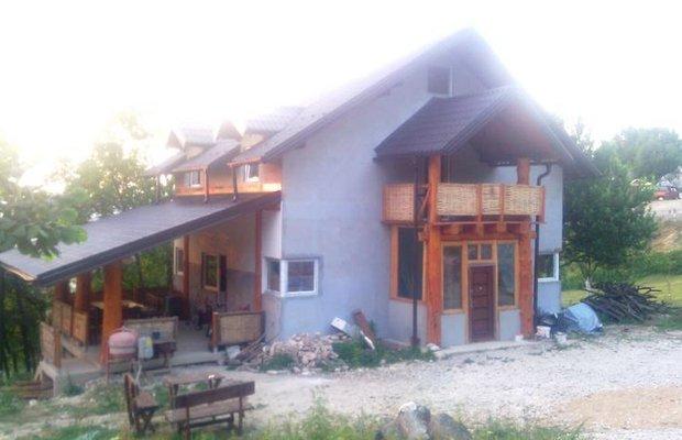 фото Olywood Hostel 603237179